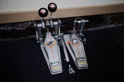 Pearl Demon Drive Double Kick Pedal With Case - Chain Drive
