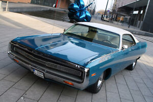 LOOKING FOR FATHER'S 1971 CHRYSLER 300 U CODE POWER SUNROOF.