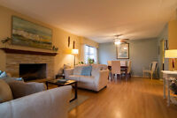 Newly renovated 2br / 1 bath top floor corner unit!