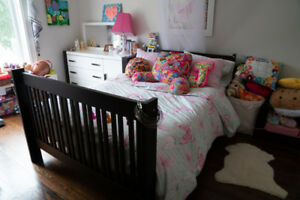 Modern Bedroom Set, Crib, Daybed, Double Bed convertible!