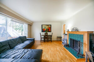 $2300 3 bedroom + loft house available for rent Maple Ridge