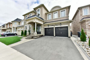 Your Dream Home Listed : 14 Ladbrook Cres, Brampton