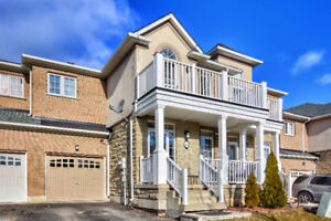 Freehold Townhouse In Lake Pointe, Stoney Creek