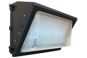 WALL MOUNT EXTERIOR LED FLOODLIGHT