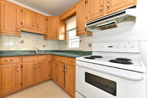 OFF CAMPUS STUDENT LIVING- 414 Flanders Row