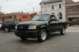 2011 FORD RANGER  ONLY 89,000 KMS!!