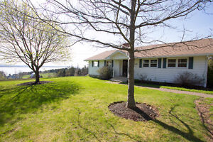 Ocean view, picturesque property, gorgeous bungalow + garage!