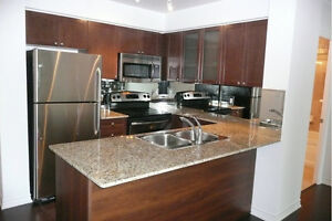*** Luxury condo available at College Park -- Avail June 15 ***