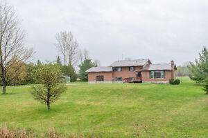 Spacious home on almost 3 acres located 15 minutes to Kanata
