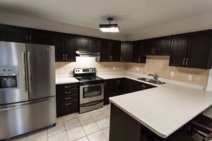 NC (NOTL) STUDENTS: LUXURY STUDENT HOUSE  < 2 MINS FROM CAMPUS
