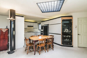 Lovely Penthouse with 3 bedrooms + 2 garages in Longueuil