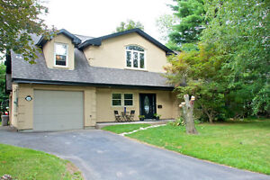 Executive Ancaster Home For Sale