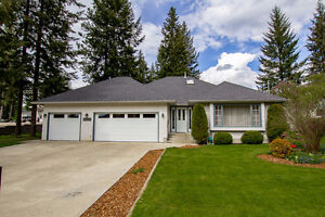 Salmon Arm - 1,840sqft Level Entry Rancher