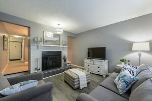 Only $199,900 Stylish townhouse located close to all amenities!