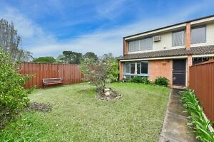 2 Bed Room Macquarie Fields Campbelltown Area Preview
