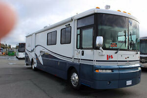 2002 WINNEBAGO ULTIMATE ADVANTAGE 40J 2 SLIDES DIESEL PUSHER