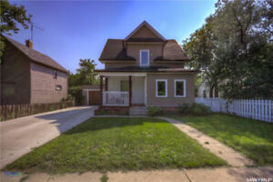 561 Athabasca Street West, Moose Jaw
