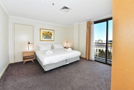 FULLY FURNISHED 1 BED. BALCONY CITY VIEWS $699 p/w ALL BILLS