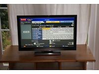 "24"" LED widescreen full HD freeview built i ln"