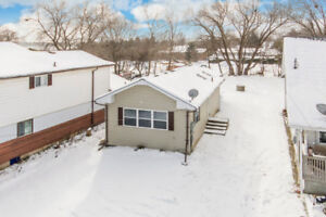 Ranch Bungalow Situated Moments to Lake Simcoe - 1002 Arnold St.