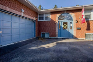 Over 1500 Sqft! 3+3 Bed / 4 Bath Bungalow, W/I Closet
