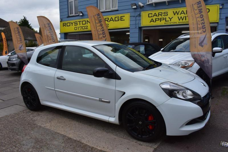 2009 59 renault clio 2 0 vvt renault sport 200 good and bad credit car finance in southend on. Black Bedroom Furniture Sets. Home Design Ideas
