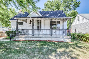 JUST LISTED - ATTN First Time Buyers Fantastic Central Location!