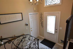 Beautiful detached home for rent in South Windsor Windsor Region Ontario image 2