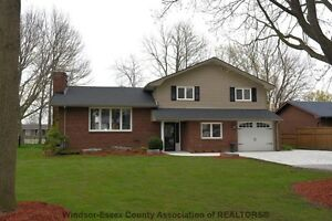 RIVERFRONT HOME W/DIRECT ACCESS TO LAKE ST CLAIR
