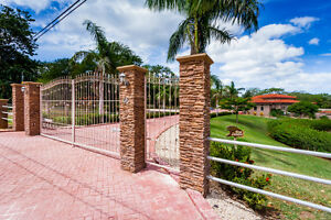 COSTA RICA - PRIVATE LUXURY HOME FOR RENT