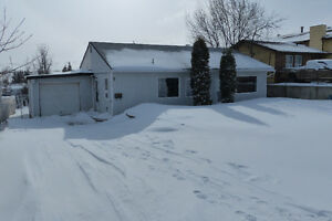 Great Starter House for Sale In Dawson Creek!