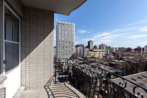 Luxurious Downtown 3 1/2, Redpath