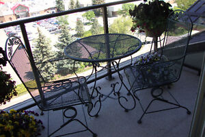 All metal Patio table, 2 chairs