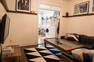 Amazing Fully-Furnished Apartment in the Mile End