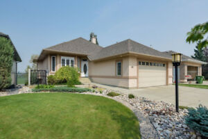 St. Albert Bungalow - Walk Out Bsmt  with Suite