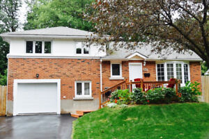 Furnished House-3 Rooms-2.5 Bath-Finished Basement-Pointe-Claire