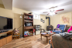 * Large * In Town * 2 Bedroom Apartment in Huntsville, ON