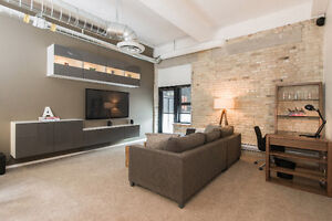 LUXURIOUS EXCHANGE DISTRICT LOFT