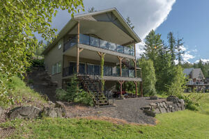 #105 6421 Eagle Bay Road, Eagle Bay - Lakeview Paradise!