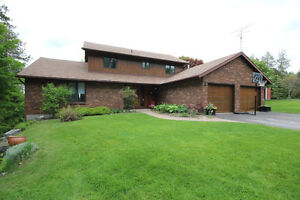 BEAUTIFUL HOME + COTTAGE ON LOUGHBOROUGH LAKE - 3873 CORKEY RD