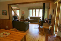 New Years SNOWY CHELSEA 4BR Exec Chalet GATINEAU PARK WiFi  FP