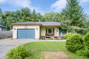 Spacious Lot Minutes to Innisfil Beach Park - 2234 Mildred Ave.