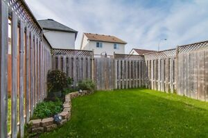 NEW LISTING! FREEHOLD TOWNHOME IN LAURENTIAN HILL/COUNTRY HILL Kitchener / Waterloo Kitchener Area image 3