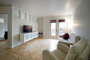 Fully Furnished Condo in Mile End November 1st