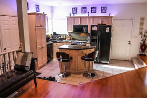 OPEN HOUSE SUN. DEC.4 2-4pm 2284 LONGFELLOW Windsor Region Ontario image 3