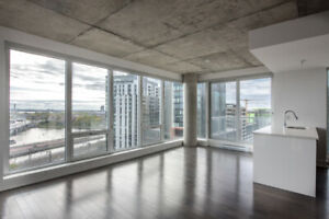Logement Rent! WOW Vue incroyable-Grand Condo luxe-Parking inclu