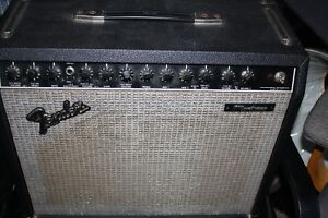 FENDER AMP MONTREUX 100 WATTS TRANSISTER TYPE