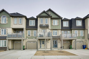 Beautiful townhome in Airdrie in the community of Windsong