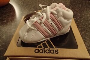 Adidas infant sneaker (Girls)