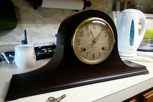 Antique mantel clock New Haven USA